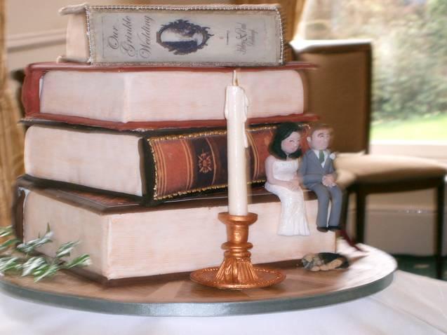 g1a1-helen-1982-stockden_wedding_cake